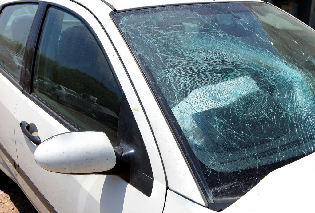 Hail Damage Car Repair >> Glass Replacement Services in Sussex | Merton Auto Body
